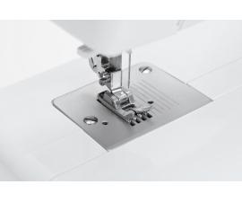 Електромеханічна швейна машина Minerva M823B