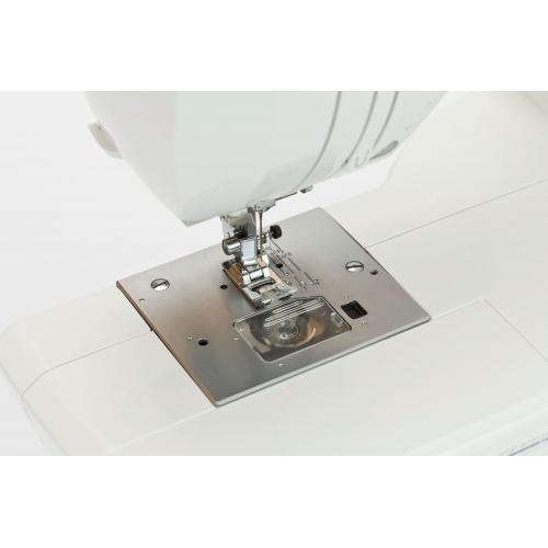 Комп'ютеризована швейна машина Minerva MC100