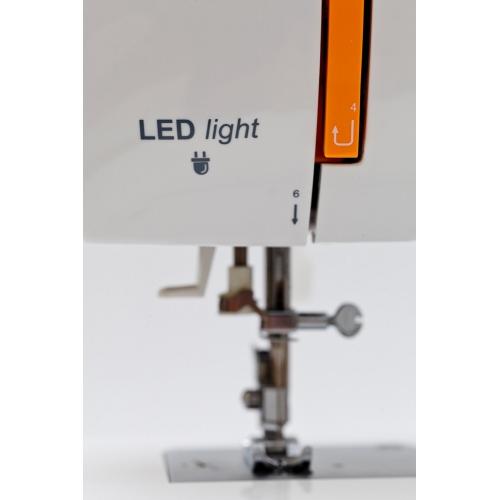 Електромеханічна швейна машина Minerva NEXT 363D